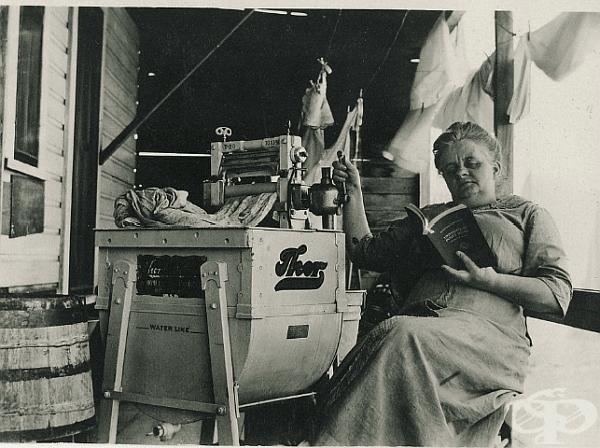 Една от първите перални машини. Компания Тор, 1908 г.