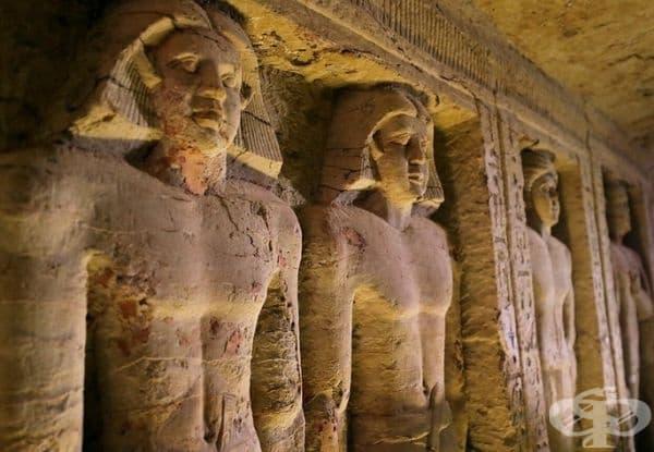 По онова време е управлявал фараон Неферикар.