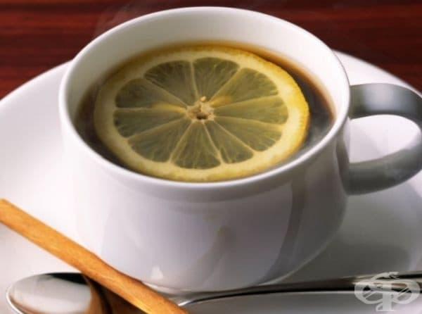Римско еспресо, Италия. Еспресо с резен лимон - с лимона се обтрива вътрешността на чашата, след което се налива кафето.