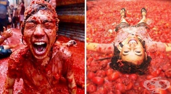 """Ла Томатина, Испания. Около 120 тона домати се смачкват по време на """"Най-голямата световна борба с храни"""". Тъй като доматите имат кисел """"дезинфектиращ"""" ефект, улиците на Бунол се считат за най-чистите в Испания."""