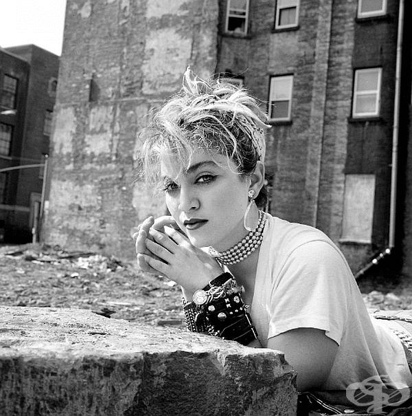 """В началото на май 1983 г. 29-годишният фотограф Ричард Корман разбира, че трябва да снима жена, явила се на кастинг за новия филм на Мартин Скорсезе """"Последното изкушение на Христос""""."""