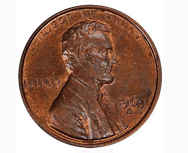 """Удвоен цент (1969-S). Екземплярът е продаден за 126,500 $. Когато матрицата за печат на монета с изображение не е подравнена правилно, изображенията или буквите се """"удвояват"""" върху монетата. Така се е случило с тази монета. Съществуват 40-50 такива бройки"""