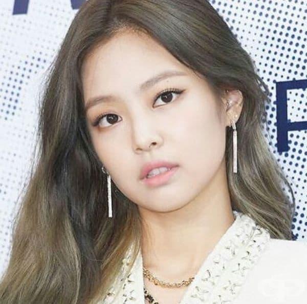 18. Джени Ким, певица, Южна Корея. Джени Ким е един от най-ярките представители на K-POP - популярна музика от Южна Корея. Отделно работи като модел за популярни корейски и европейски марки.