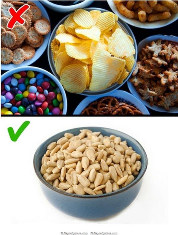 Консумирайте ядки. Паузите между храненията може да се окажат тежки и да се чувствате много гладни. Това ще ви накара да ядете повече, докато се заситите. В такива случаи си хапвайте ядки, за да не прекалявате с основната храна.