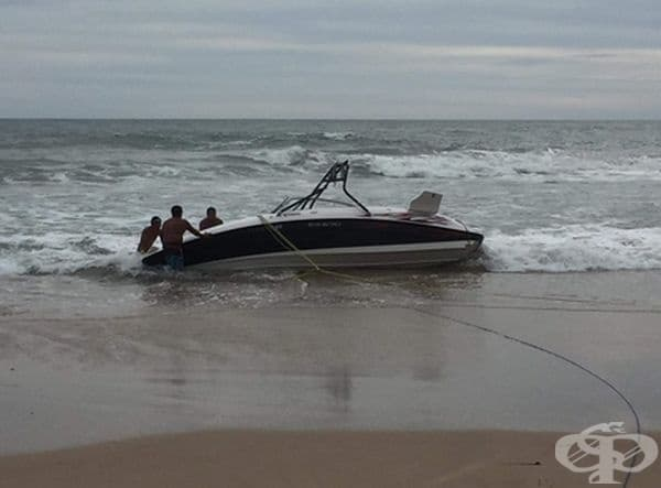 """""""Приятелят ми никога не се качвал на лодка, но си купи такава. Още с първият опит лодката се преобърна."""""""