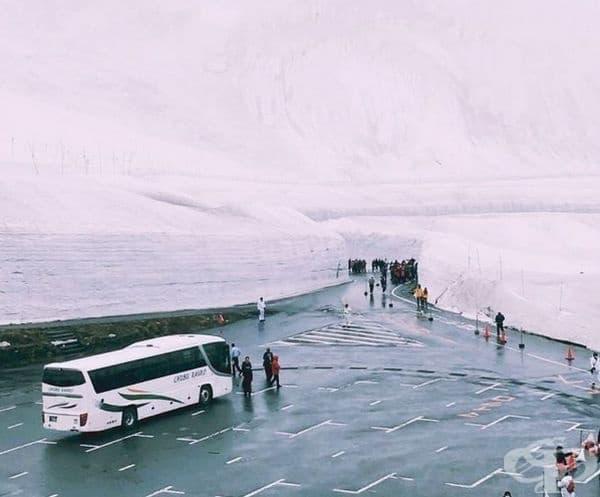 """Добре дошли на величествения алпийски коридор """"Якино-Отани"""" по маршрута Tateyama Kurobe, който се намира на няколко часа път с кола от Токио."""