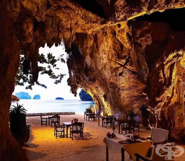 Ресторант The Grotto, Тайланд. Романтичният ресторант се намира във варовикова пещера на плажа Phra Nang към курорта Rayavadee.