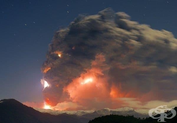 Изригването на вулкана Пуйеуе, Чили. Сега това изглежда доста страшно!