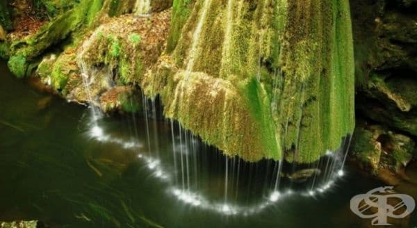 Най-екзотичният водопад в света - светещият водопад Бираг в Румъния. Световно признат за една от най-уникалните водни приказки поради начина, по който водата пада.