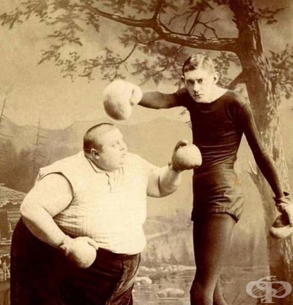 Боксьори с много различни физика.