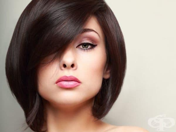 Биотинът насърчава растежа на косата и я заздравява. Недостигът в организма води до намаляване на обема на косата. Прибавете ядки, лешници, бадеми и фъстъци към диетата си.