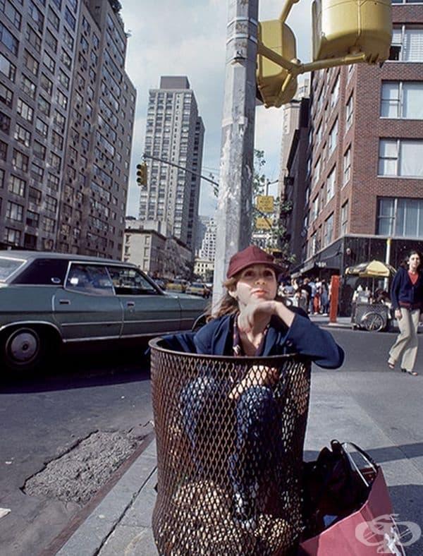 Кари Фишър по улиците на Ню Йорк през 1980 г.
