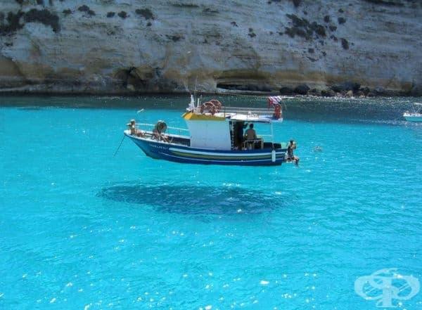Плаващата лодка.