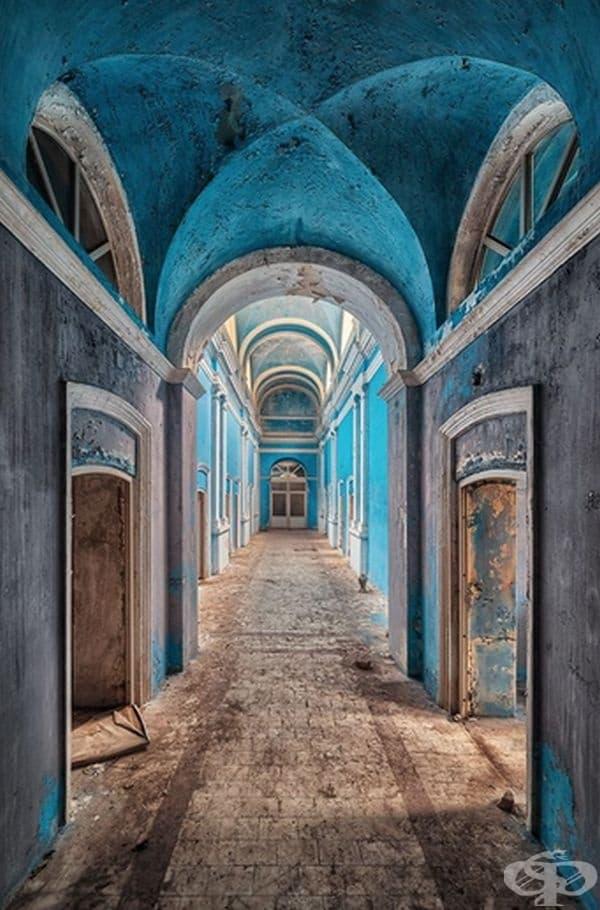 30 снимки разкриват красотата на изоставени сгради от цял свят