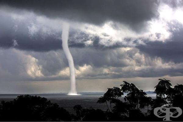 Ураган над езерото Виктория, Уганда