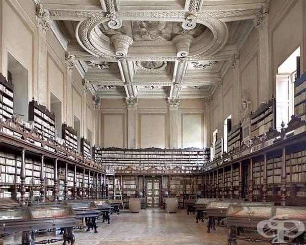 """Библиотека """"Валичелиляна"""", Рим, Италия."""
