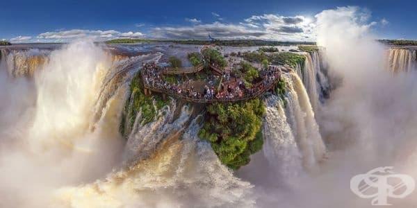 Водопадите Игуасу, на границата на Аржентина и Бразилия.