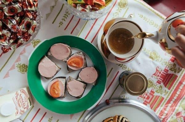 Традиционни закуски, които са винаги на разположение в хладилника.