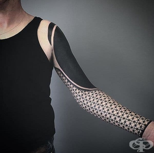 Блекаут татуировките печелят все повече привърженици
