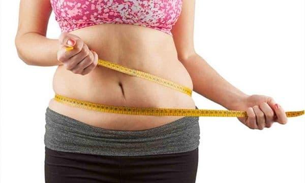 Наддаване на тегло. Бавният метаболизъм не само дава усещане за постоянен студ, но и неизбежно води до увеличаване на теглото, тъй като нашето тяло изгаря по-малко калории и всички допълнителни калории се натрупват под формата на мазнини.
