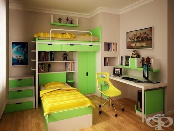 Стая за двама. Това разпределение позволява да се съберат две легла и гардероб в стая с малко пространство. Зеленият цвят придава яркост на помещението.