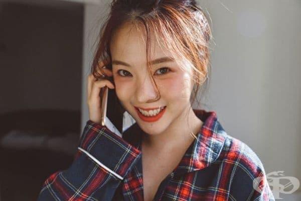 Южна Корея. Жените в Южна Корея имат своя собствена версия на естествения грим. Към момента са характерни тоналните средства, добре оформени прави вежди и ярък гланц на устните. Една дама трябва има лек грим и да изглежда свежо.