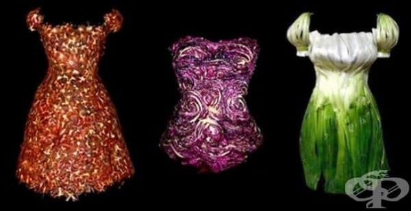 """Дрехи от серията """"Wearable Foods"""" на корейския художник Сен Йон Чжу. Първата рокля е изработена от домати, втората от глави на цветно зеле и рокля от зелен лук."""