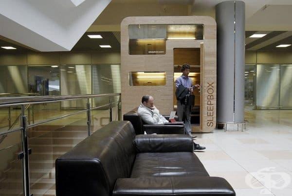 Капсула от веригата Sleepbox на летище Шереметиево.