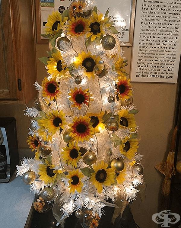 Малко бяло дърво с големи слънчогледи също е добра идея.