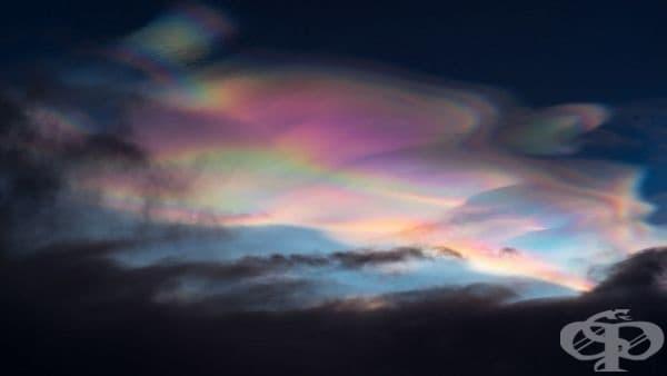 Седефени облаци са характерни за региони с висока ширина като Исландия, Скандинавските страни, Аляска и др. За разлика от повечето облаци, те се образуват в стратосферата при много ниски температури и слънчева светлина, преминаваща под хоризонта.