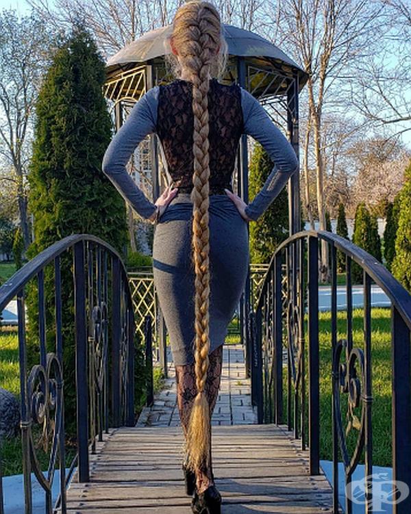 """По думите на майка й: """"Красивата коса е украшение за жената."""""""
