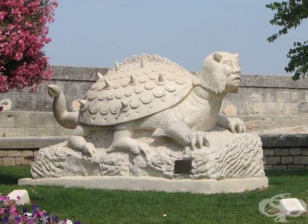 """""""Тараск"""", Тараскон, Франция. Това е дракон от древна легенда, преминал от Турция към Тараскон."""
