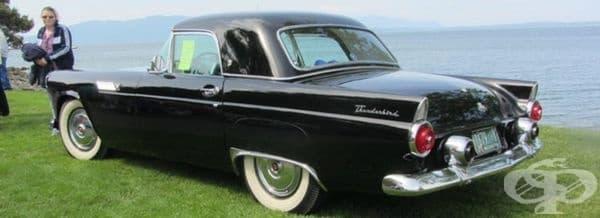 1955 Форд Тъндърбърд.