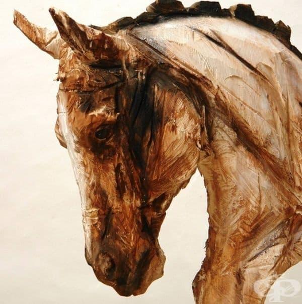 Художник създава невероятни произведения от дърво с помощта на моторна резачка