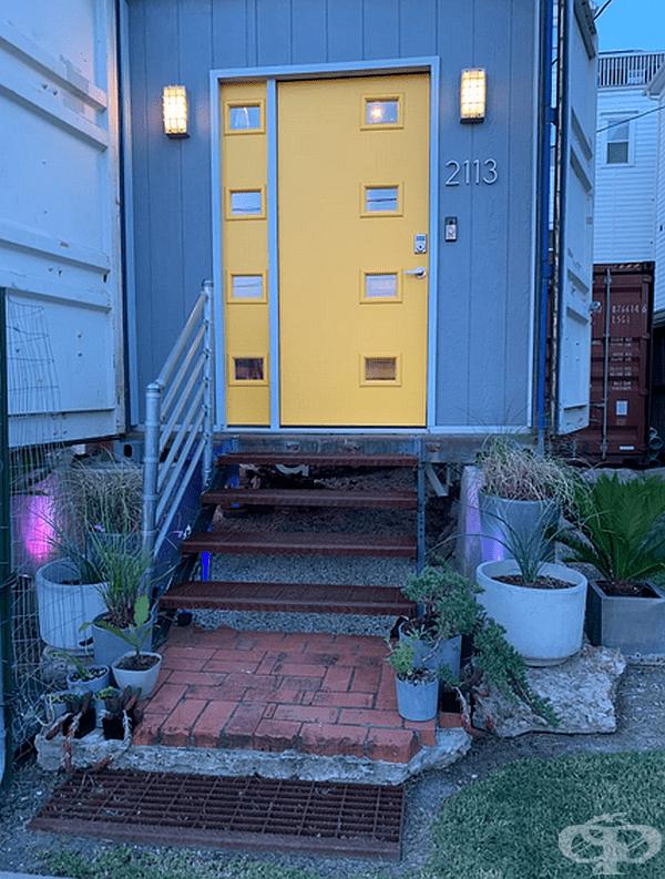 Дизайнерът сам е разработил интериорния дизайн за своя дом.