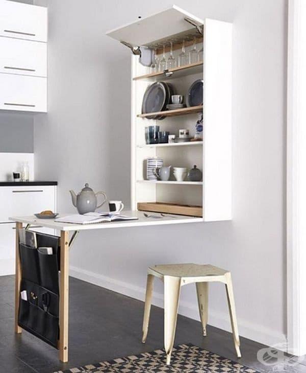 Изберете мултифункционални мебели. Ако в кухнята няма място за постоянна маса, винаги можете да я комбинирате с нещо, например, шкаф.