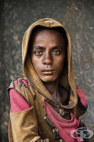 Това е момиче от Ламу, Кения. Не е ли впечатляваща?