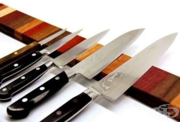 Магнитна дъска за ножове – може да се постави на удобно за вас място.