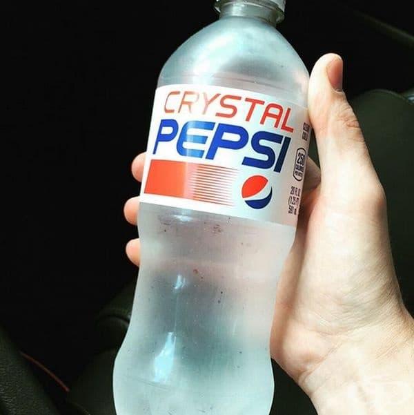 Прозрачно Pepsi.