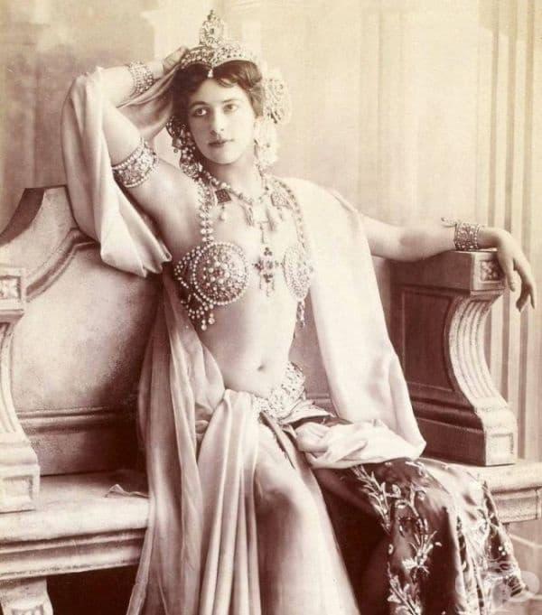 Мата Хари, 1910.