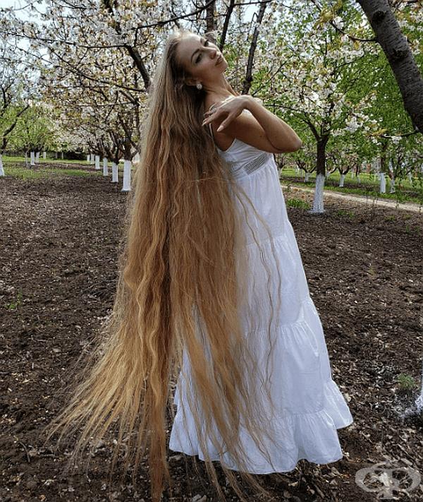 Днес Алена може да се похвали с украшение от 1,8 метра дължина.