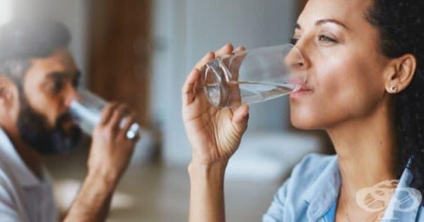 Пийте повече вода. Тя е полезна за работата на мозъка, особено при хората, който отказват цигарите.