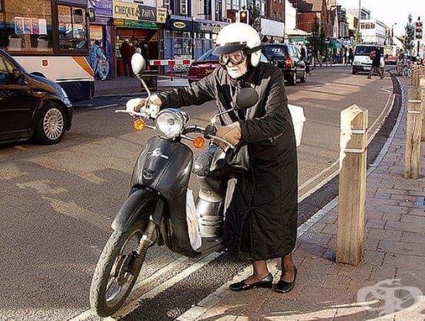 """Кой каза, че само младите хора могат да карат мотоциклет? Не става въпрос за възраст, а за състоянието на духа!"""""""