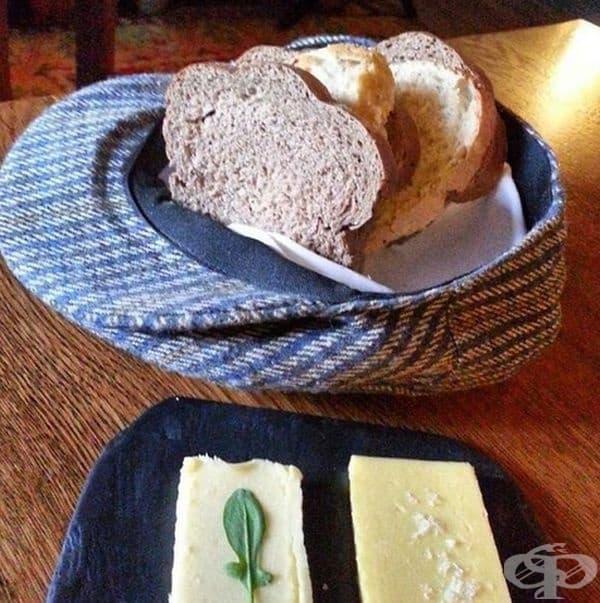Защото никой не казва, че хлябът е пресен като шапката на старец.