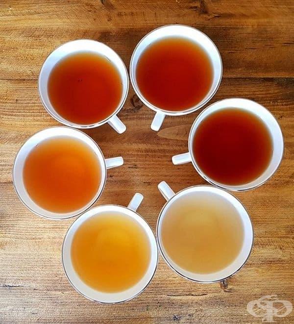 Пийте зелен или черен чай. Според изследвания растението Cameilla sinensis, което се съдържа в чая, предпазва зъбите от възникването на кухините. Смята се, че този трик помага дори и след консумирането на сладкиши.
