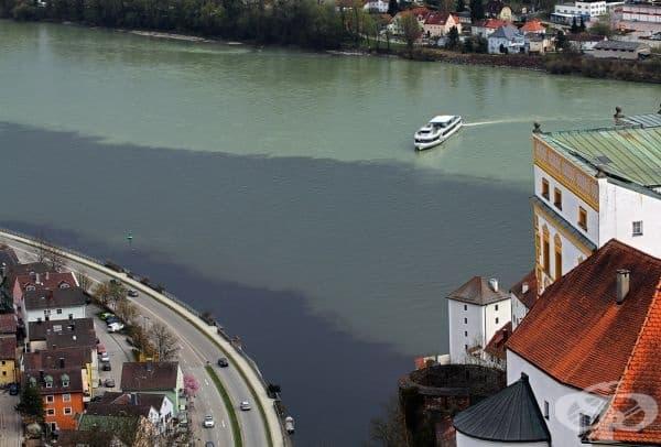 Мястото, където се сливат три реки в една: Дунав, Илц и Ин, Германия.