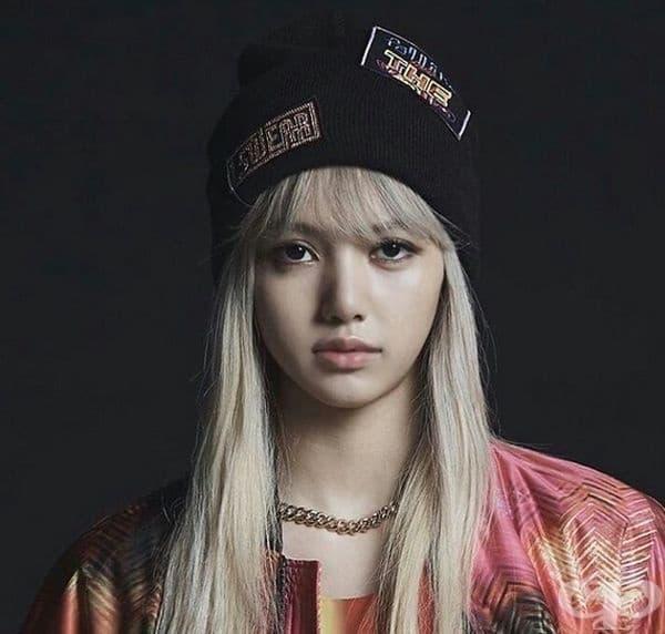 15. Лалиса Манобан, певица, Южна Корея. Родена е в Тайланд и е част от групата BlackPink. Тя и нейните колеги обичат да се снимат в различни фотосесии.