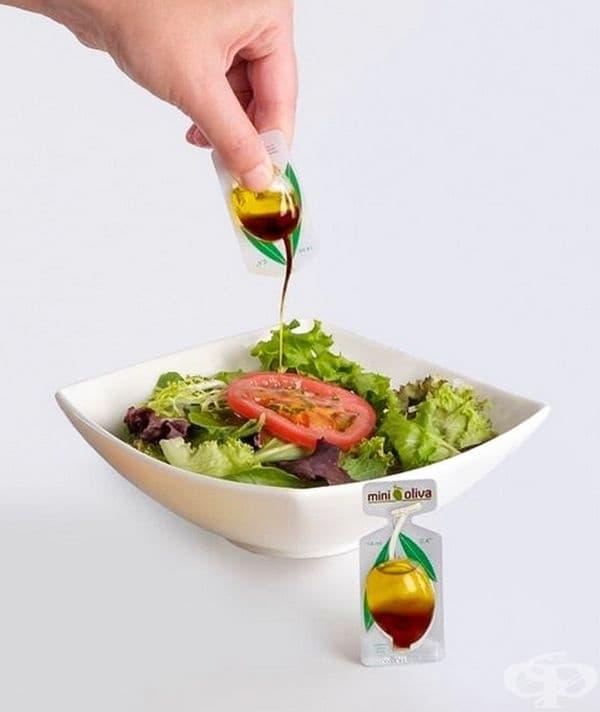 Еднократна дозичка зехтин за салата.