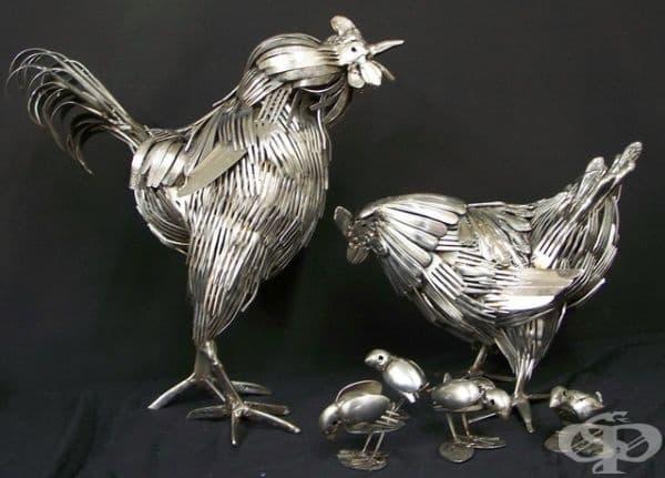 Материалът, който използва, е много подходящ за изобразяване на козина и пера.