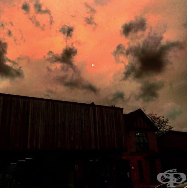 Така изглежда небето след урагана Офелия.